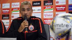 Indosport - Pemain Persija Jakarta, Bruno Matos saat sesi jumpa pers jelang laga menghadapi PSIS Semarang. Foto: Media Persija