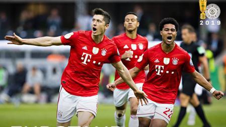 Skuat Bayern Munchen merayakan gol yang dicetak ke gawang Leipzig dalam final DFB-Pokal 2018/19, Minggu (26/05/19) dini hari WIB. - INDOSPORT