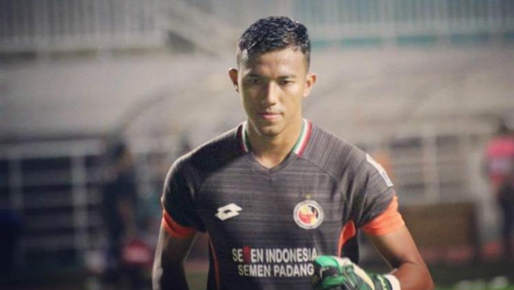 Teja Paku Alam kiper utama Semen Padang di Liga 1 2019. (Foto: instagram.com/tejapakualaam) Copyright: instagram.com/tejapakualaam