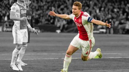 Matthijs de Ligt melakukan selebrasi saat melawan Tottenham. - INDOSPORT