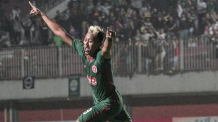 Kushedya Yudo melakukan selebrasi usai mencetak gol untuk PSS Sleman di Piala Presiden 2019. (Foto: PSS Sleman) - INDOSPORT