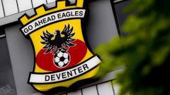Indosport - Go Ahead Eagles, lawan RKC Waalwijk, klub Ezra Walian, untuk bisa promosi ke Eredivisie Belanda.
