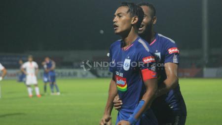Selebrasi Hari Nur usai membobol gawang Persija Jakarta. Ronald S/INDOSPORT.COM - INDOSPORT