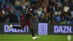 Indosport - Raksasa Serie A Liga Italia, Inter Milan, kemungkinan bakal mengajukan proposal tukar guling demi mendatangkan gelandang AC Milan, Franck Kessie.
