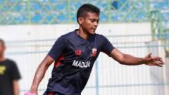 Indosport - Haruna Soemitro membantah keras kabar Zulfiandi ke Persija.