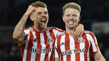 Max Power dan  Grant Leadbitter, pemain tim sepak bola Inggris, Sunderland AFC. - INDOSPORT