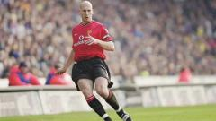 Indosport - Jaap Stam tampil trengginas di laga Manchester United vs Bayern Munchen, Minggu (26/05/19).