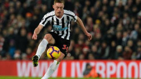 Sean Longstaff, bintang Newcastle United, diincar Manchester United pasca Rafael Benitez hengkang. - INDOSPORT