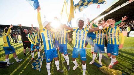 Klub Ezra Walian, RKC Waalwijk, berhasil lolos ke Eredivisie Liga Belanda. (VI Images via Getty Images) - INDOSPORT