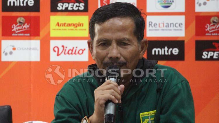 Djajang Nurdjaman, pelatih Persebaya Surabaya aat konfrensi pers, Rabu (29-05-19). Copyright: Fitra Herdian/INDOSPORT