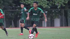Indosport - Pemain muda Persela Lamongan, Hambali Tolib dipanggil training center Timnas Indonesia U-23.