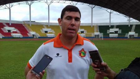 Ada 3 fakta tentang pelatih asal Chile Simon Pablo Elissetche yang baru-baru ini melamar ke klub Liga 2 2020 PSMS Medan. - INDOSPORT