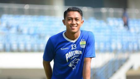 Winger andalan Persib Bandung di Liga 1 2020 yakni Febri Hariyadi saat ini tengah menjadi bidikan utama klub Thailad, Muangthong United. - INDOSPORT