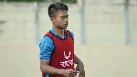 Bek sayap PSIS Semarang, Fredyan Wahyu, dipastikan absen membela tim melawan Bhayangkara FC. - INDOSPORT