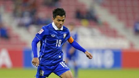 Chanathip Songkrasin alias Lionel Messi Thailand ragu negaranya melaju ke Piala Dunia 2022 gara-gara harus menyelesaikan laga kualifikasi tersisa lawan Timnas Indonesia. - INDOSPORT