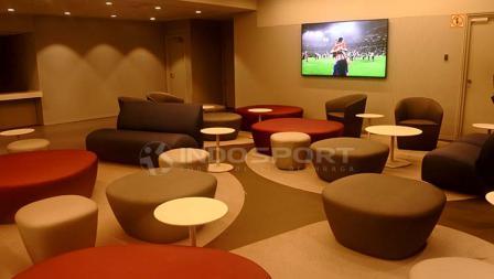 Salah satu area santai di dalam Stadion Wanda Metropolitano.