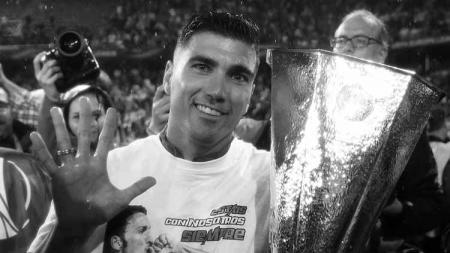 Jose Antonio Reyes saat mengantarkan Sevilla juara Liga Europa. - INDOSPORT
