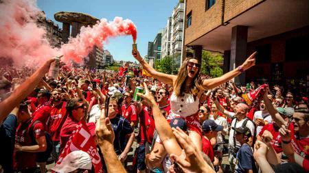 Suporter Liverpool di kota Madrid jelang final Liga Champions, Minggu (02/06/19). - INDOSPORT