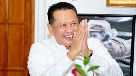 Ketua DPR RI Bambang Soesatyo mendukung langkah Komite Perubahan Sepak Bola Nasional yang ingin KLB PSSI dipercepat. - INDOSPORT