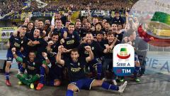 Indosport - Pemain Hellas Verona merayakan kemenangan dalam pertandingan leg kedua Final Playoff antara Hellas Verona vs AS Cittadella di Verona, Italia, Minggu (02-06-2019). Foto: Giuseppe Bellini/Getty Images