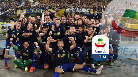 Pemain Hellas Verona merayakan kemenangan dalam pertandingan leg kedua Final Playoff antara Hellas Verona vs AS Cittadella di Verona, Italia, Minggu (02-06-2019). Foto: Giuseppe Bellini/Getty Images - INDOSPORT