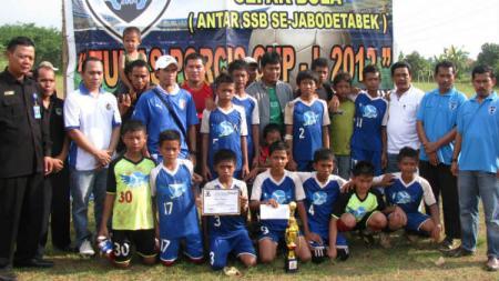 SSB Cikeas Junior juara kompetisi sepak bola antara SSB Se-Jabodetabek pada 2012 lalu. - INDOSPORT