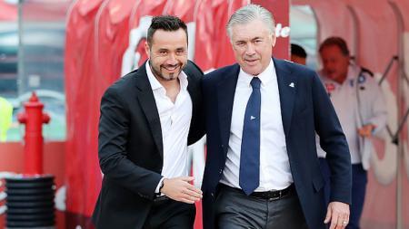 Roberto De Zerbi (kiri) bersama dengan Carlo Ancelotti - INDOSPORT