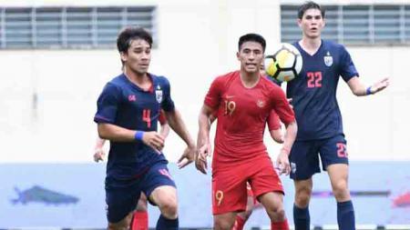 Thailand mengalahkan Timnas Indonesia U-23 dengan skor 2-1 di Merlion Cup 2019. - INDOSPORT
