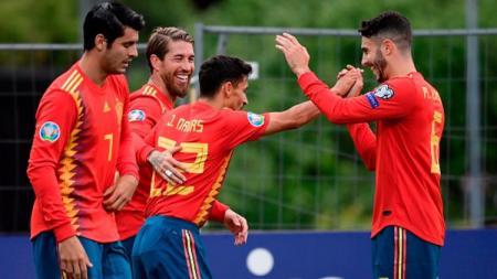 Selebrasi Timnas Spanyol saat menghadapi Kepulauan Faroe di Kualifikasi Euro 2020. (Foto: JAVIER SORIANO/AFP/Getty Images) - INDOSPORT