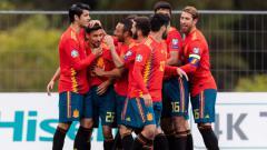 Indosport - Timnas Spanyol merayakan kemenangan telak atas Kepulauan Faroe di pertandingan kualifikasi Euro 2020. (Foto: JAVIER SORIANO/AFP/Getty Images)