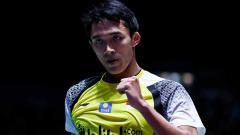 Indosport - Jonatan Christie berhasil mengalahkan Anthony Sinisuka Ginting di Final Australia Open 2019. VCG/VCG via Getty Images.