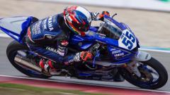 Indosport - Galang Hendra Pratama, pembalap asal Indonesia yang tampil di kompetisi balap motor dunia. (Foto: Instagram: @galanghendra55real)