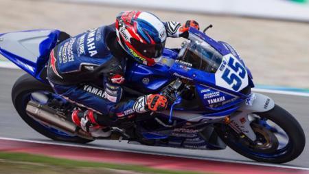 Galang Hendra Pratama, pembalap asal Indonesia yang tampil di kompetisi balap motor dunia. (Foto: Instagram: @galanghendra55real) - INDOSPORT