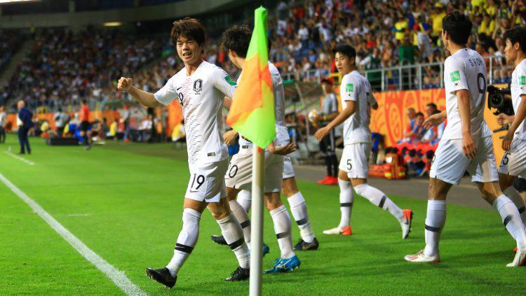 Penggawa Korea Selatan U-20 merayakan golnya ke gawang Ekuador dalam pertandingan semifinal Piala Dunia U-20 2019. (Foto: PressFocus/MB Media/Getty Images) Copyright: PressFocus/MB Media/Getty Images
