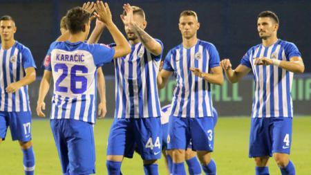 Skuat Lokomotiva Zagreb tengah melakukan selebrasi. - INDOSPORT