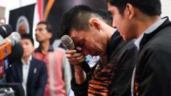 Indosport - Lee Chong Wei menangis saat jumpa pers soal pensiun dirinya dari dunia Bulutangkis.