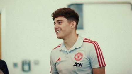 Tinggi badan Daniel James jadi sorotan saat laga AZ Alkmaar vs Manchester United, Kamis (04/10/19). - INDOSPORT