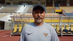 Indosport - Fakhri Husaini, pelatih Timnas Indonesia U-19 punya harapan berkelas di hari jadi Jakarta ke-492.