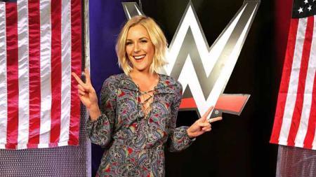 Pegulat WWE, Renee Young. Foto: imgur - INDOSPORT