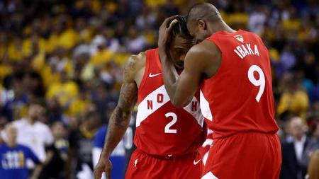 Bintang Toronto Raptors, Serge Ibaka, mengaku masih kecewa dengan keputusan Kawhi Leonard yang memilih hengkang ke Los Angeles Clippers. - INDOSPORT