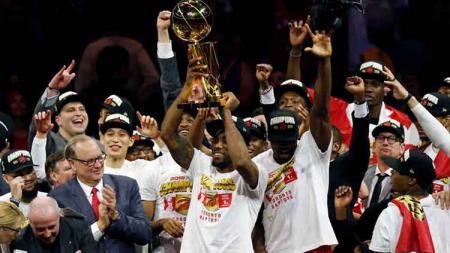 Keceriaan wajah tim Toronto Raptors usai kalahkan Golden State Warriors sekaligus juara NBA musim 2019 di Oracle Arena. Jumat, 14/06/19. - INDOSPORT