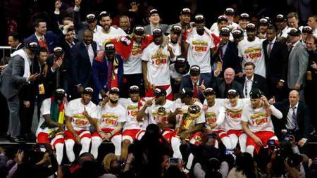 Toronto Raptors merupakan juara NBA musim ini dan mendapat sambutan meriah dari warga Toronto. Cunningham/Getty Images. - INDOSPORT