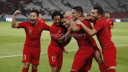 Aksi selebrasi pemain Timnas Indonesia setelah Evan Dimas mencetak gol ke gawang Vanuatu. Foto Herry Ibrahim