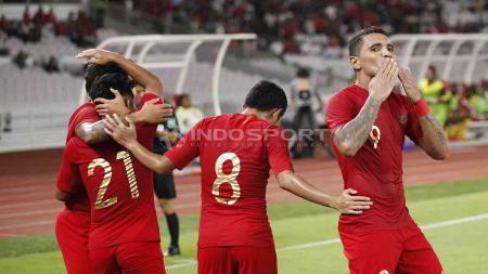 Beto Goncalves melakukan selebrasi usai cetak gol dalam laga ujicoba melawan Vanuatu di Stadion Utama Gelora Bung Karno, Sabtu (15/06/19). Foto Herry Ibrahim - INDOSPORT