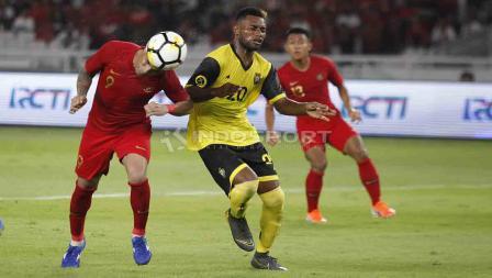 Sundulan maut Beto Goncalves membuahkan gol ke gawang Vanuatu dalam laga uji coba di Stadion Utama Gelora Bung Karno, Sabtu (15/06/19). Foto Herry Ibrahim