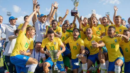 Brasil U-22 berhasil mengalahkan Jepang U-22 di Piala Toulon 2019, Sabtu (15/06/19). (Foto: Tim Clayton/Corbis via Getty Images) - INDOSPORT