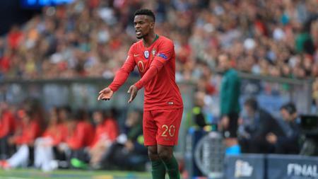 Wolverhampton Wanderers semakin kental dengan nuansa Portugal seteah resmi menggaet bek Barcelona yang bernama Nelson Semedo. - INDOSPORT