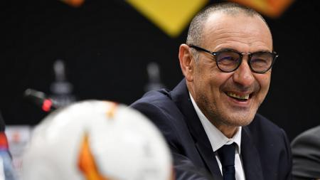Pelatih sepak bola Juventus, Maurizio Sarri, ternyata melakukan hal ini begitu ia tiba di raksasa Serie A Liga Italia tersebut dari klub Liga Inggris, Chelsea. - INDOSPORT