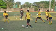 Indosport - Skuat Sriwijaya FC terus fokus berlatih jelang Kick-off Liga 2 2019. (Muhammad Effendi/INDOSPORT)