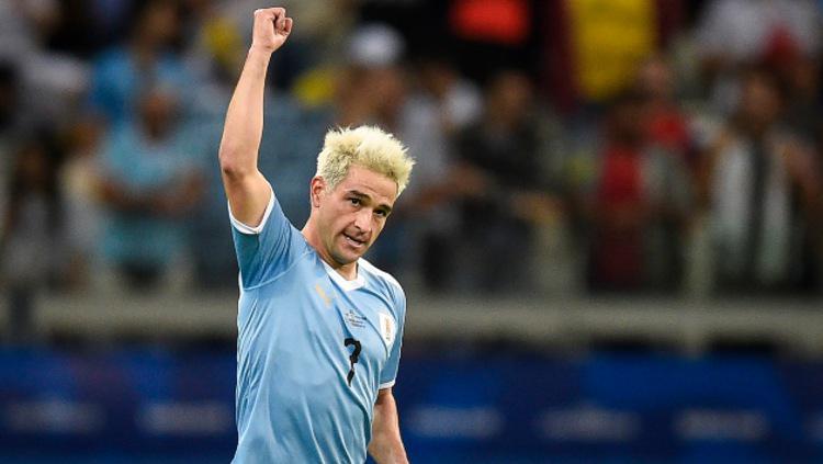 Nicolas Lodeiro pencetak gol pertama dalam pertandingan Copa America 2019 antara Uruguay vs Ekuador. (Foto: Pedro Vilela/Getty Images) Copyright: Pedro Vilela/Getty Images